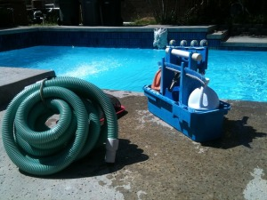 pool-cleaning-330399_640